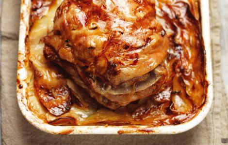 Langzaam gebraden lamsschouder met pommes
